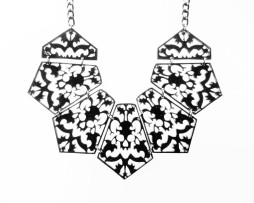 gothic-lace-necklace