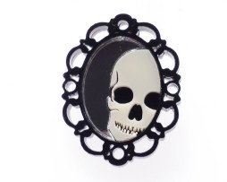 dead-retty-brooch